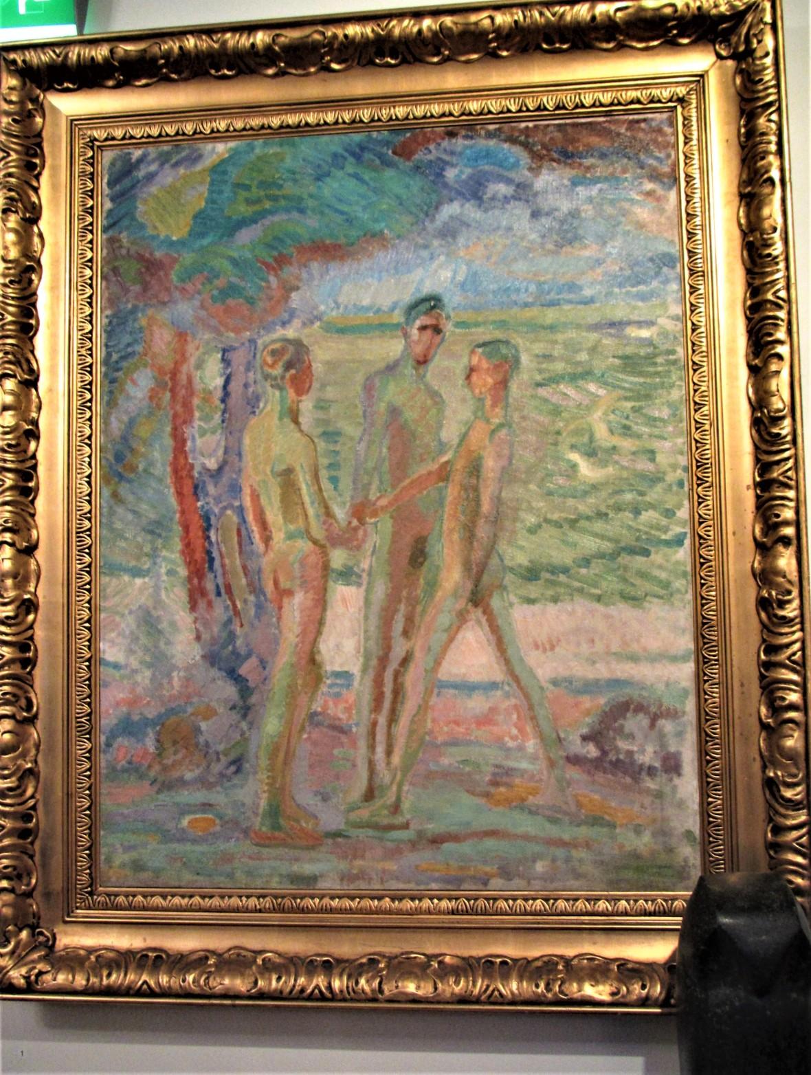 Kirpilä kolme alastonta poikaa rannalla