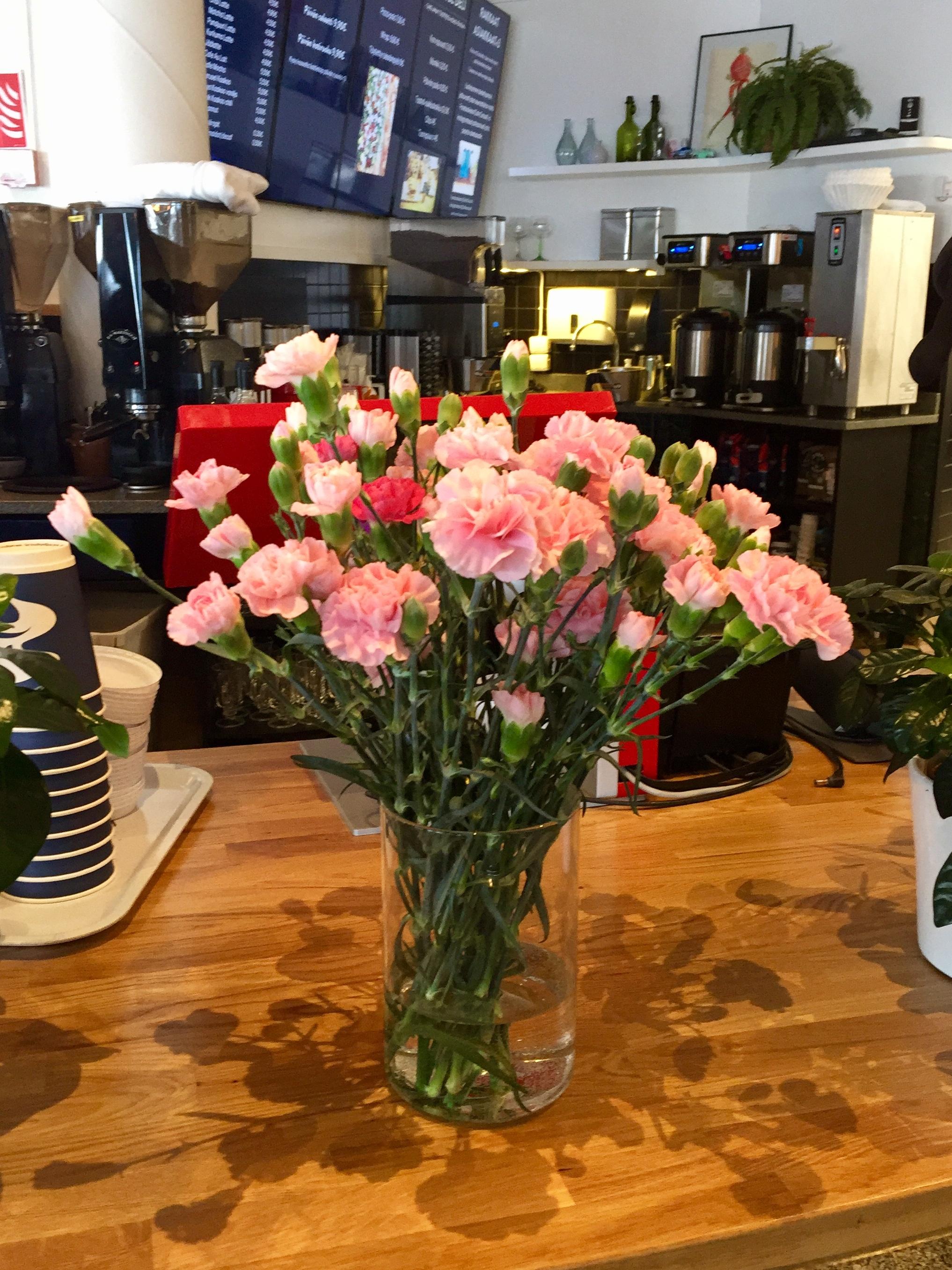 Ullanlinna Cafe Carusel kukat